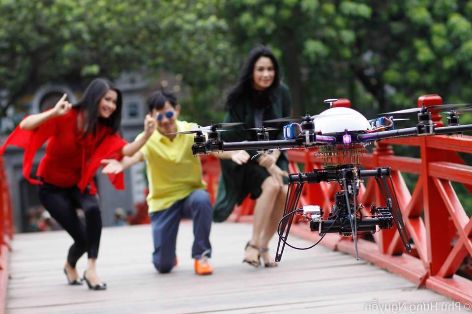 Chụp hình flycam iStar